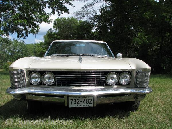 Buick™ Riviera {Series 4700} (1962) - Pictures