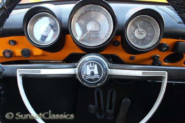 1971 VW Squareback Photo Gallery/1971-vw-squareback-060